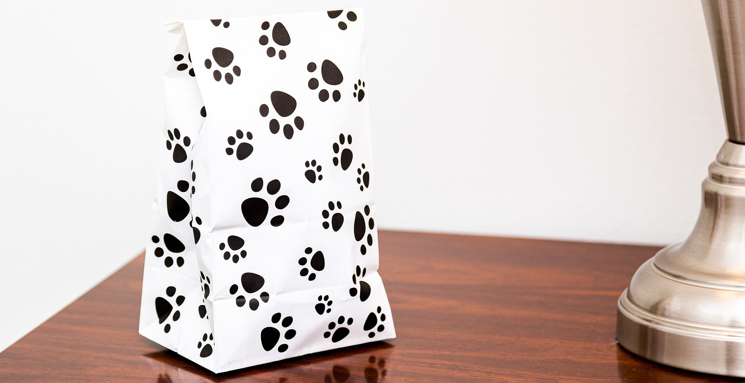 Doggie bag with pawprints