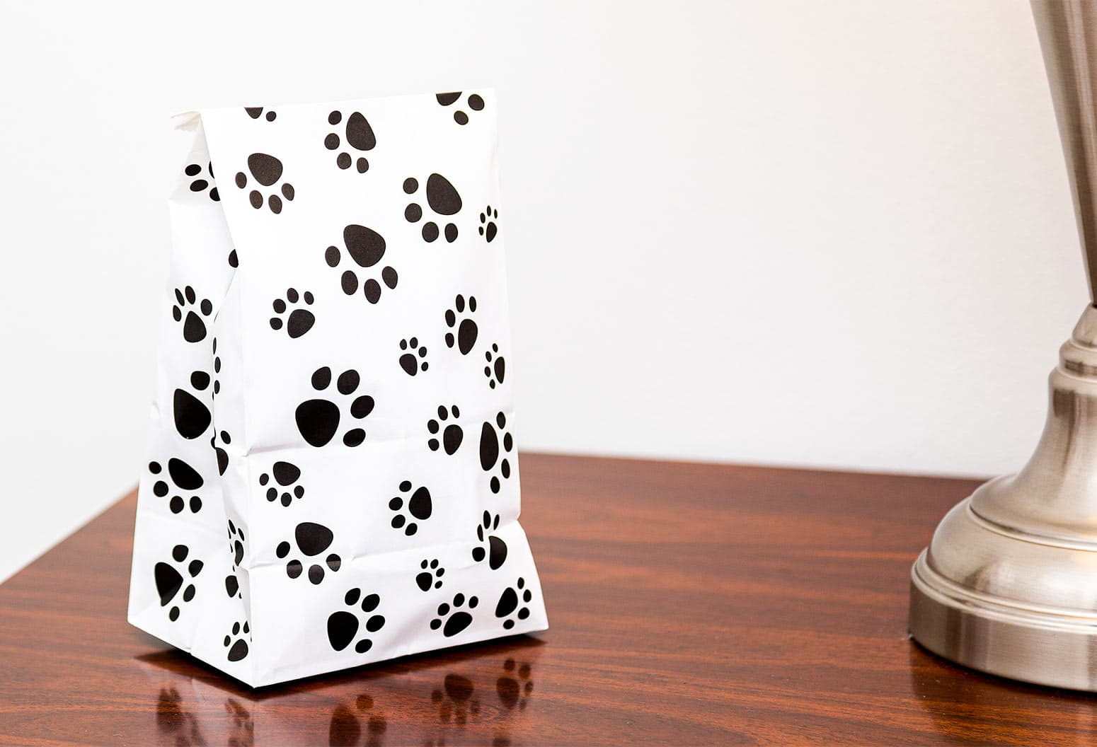 Doggie bag with paw prints